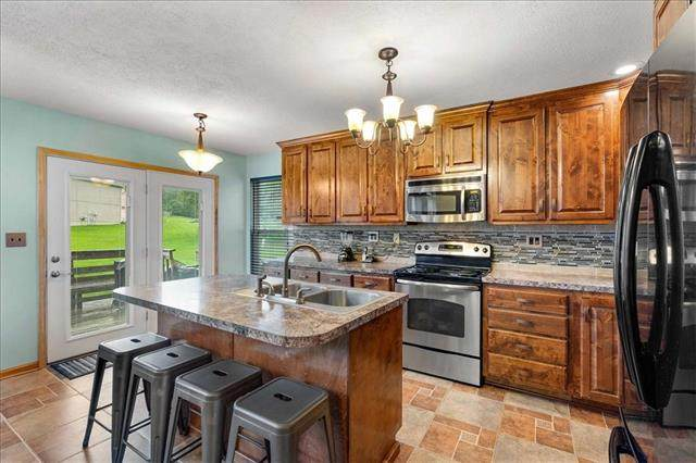5930 Highland Avenue, Kansas City, MO 64110 (MLS #2333628) :: Stone & Story Real Estate Group