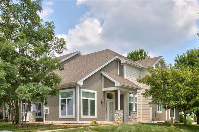 11797 S Roundtree Street, Olathe, KS 66061 (#2334252) :: Dani Beyer Real Estate