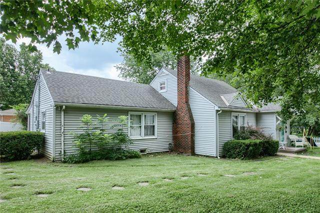 711 E Walnut Street, Belton, MO 64012 (#2335278) :: Team Real Estate