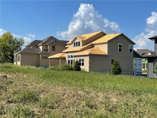 16824 Long Street, Overland Park, KS 66221 (#2335898) :: Austin Home Team