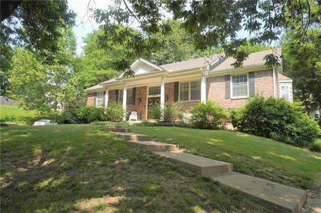 12407 Overbrook Road, Leawood, KS 66209 (#2335915) :: The Shannon Lyon Group - ReeceNichols