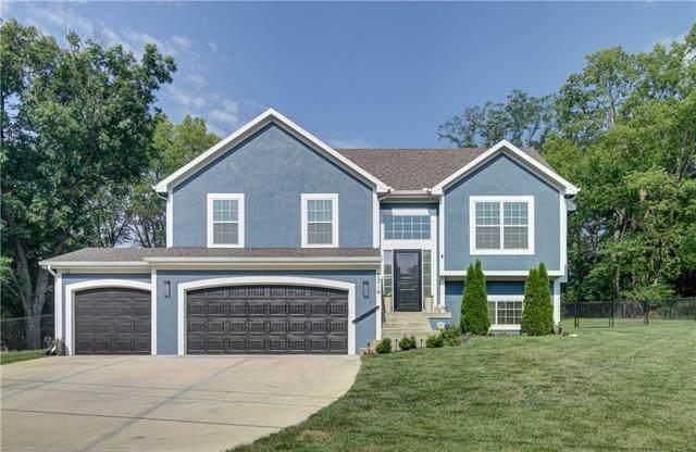 7216 NW Oak Drive, Kansas City, MO 64152 (#2335996) :: Five-Star Homes