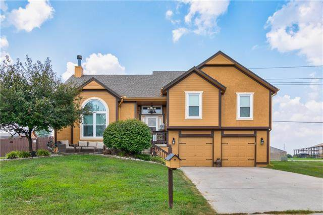 16579 Meadowlark Lane, Basehor, KS 66007 (#2336898) :: Eric Craig Real Estate Team