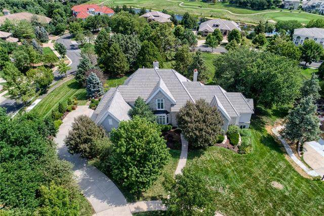 20914 W 96th Terrace, Lenexa, KS 66220 (#2337102) :: Eric Craig Real Estate Team