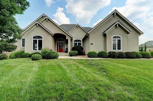 2309 NE Lake Breeze Lane, Lee's Summit, MO 64086 (#2337376) :: Eric Craig Real Estate Team