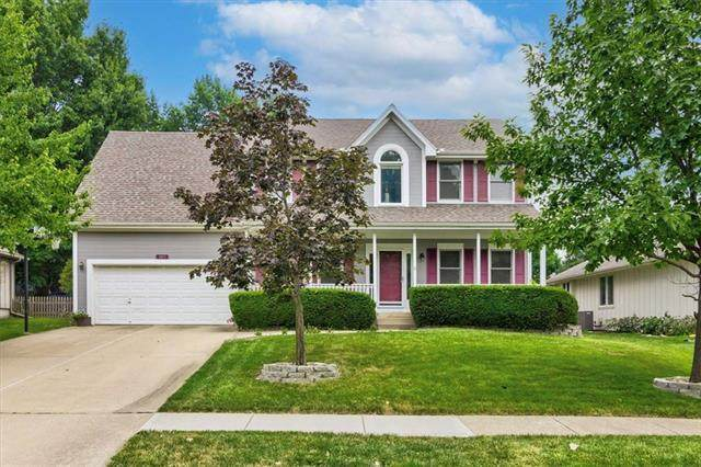 3813 Windemere Drive, Lee's Summit, MO 64082 (#2337751) :: The Shannon Lyon Group - ReeceNichols