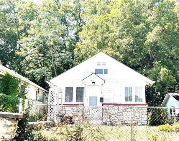 7132 Bellefontaine Avenue, Kansas City, MO 64132 (#2338126) :: Austin Home Team