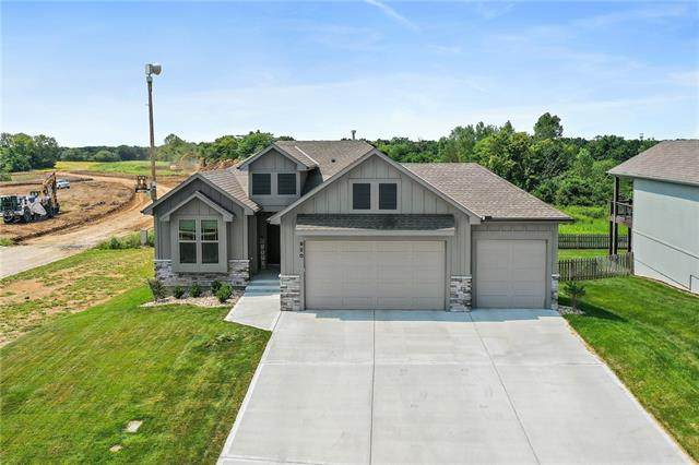 920 Savannah Drive, Greenwood, MO 64034 (#2338604) :: Dani Beyer Real Estate