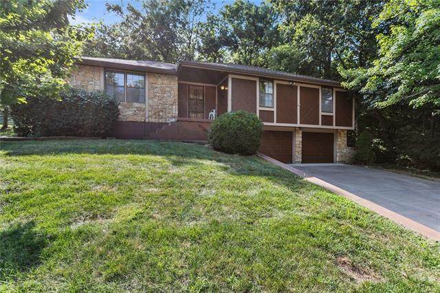 2404 S Vista Avenue, Independence, MO 64057 (#2339489) :: Tradition Home Group | Compass Realty Group
