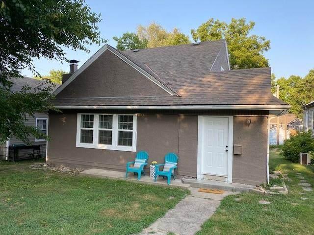 1025 N 25th Street, Kansas City, KS 66102 (#2339493) :: The Shannon Lyon Group - ReeceNichols