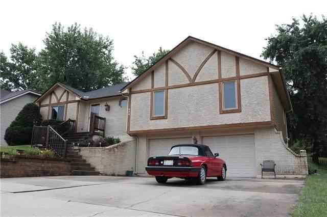 523 NW 65th Terrace, Kansas City, MO 64118 (#2339697) :: The Gunselman Team