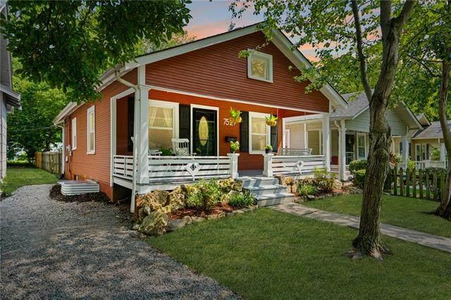 7529 Jefferson Street, Kansas City, MO 64114 (#2339770) :: Dani Beyer Real Estate