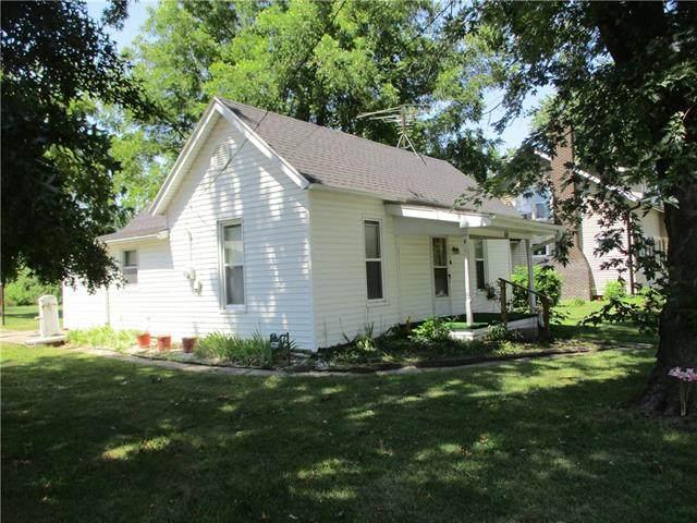206 Spruce Street, Garden City, MO 64747 (#2339889) :: Five-Star Homes