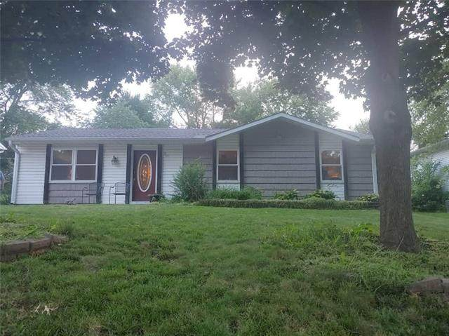18206 18th Terrace, Independence, MO 64058 (#2340584) :: Dani Beyer Real Estate