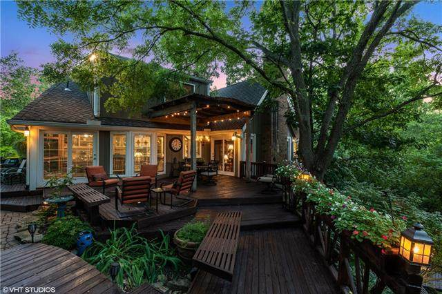 2852 W 160th Terrace, Stilwell, KS 66085 (#2340634) :: Ask Cathy Marketing Group, LLC