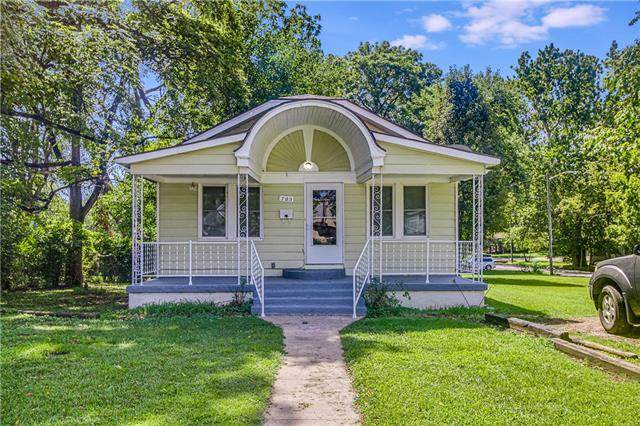 703 E Albert Avenue, Independence, MO 64055 (#2340765) :: Ask Cathy Marketing Group, LLC