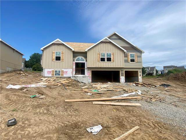 1024 Poplar Lane, Liberty, MO 64068 (#2341714) :: Dani Beyer Real Estate