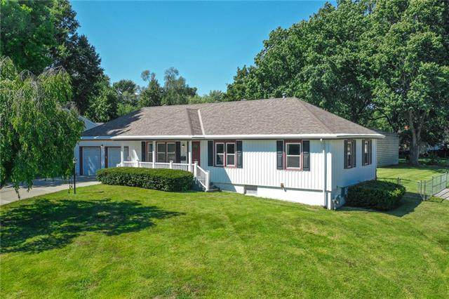 12210 E 52nd Terrace S, Independence, MO 64055 (#2341776) :: Ron Henderson & Associates