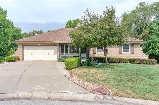 10506 Kenwood Avenue, Kansas City, MO 64131 (#2341831) :: Austin Home Team