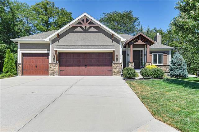 701 SE Sparrow Court, Blue Springs, MO 64014 (#2342137) :: Dani Beyer Real Estate