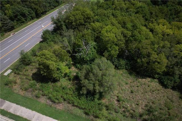 5915 Maurer Road, Shawnee, KS 66217 (#2342527) :: SEEK Real Estate