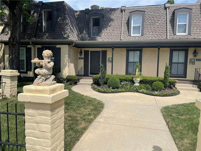 10734 Glenwood Street A, Overland Park, KS 66211 (#2342619) :: Audra Heller and Associates