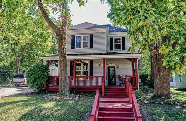 407 E Kansas Avenue, Independence, MO 64050 (#2343149) :: Dani Beyer Real Estate