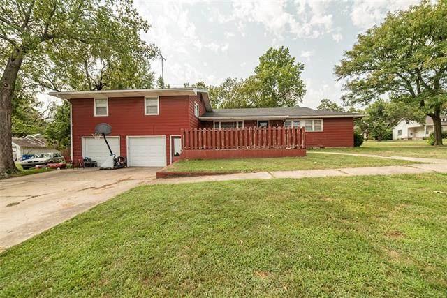 703 S Vine Street, Garnett, KS 66032 (#2343297) :: Ron Henderson & Associates