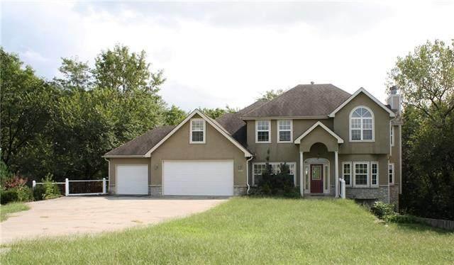 11201 Winchester Drive, Kansas City, KS 66109 (#2343642) :: Dani Beyer Real Estate