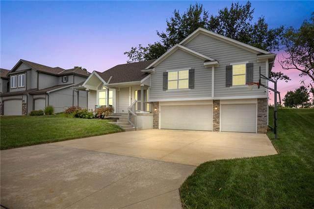 916 SE Forest Ridge Court, Blue Springs, MO 64014 (#2343663) :: Dani Beyer Real Estate