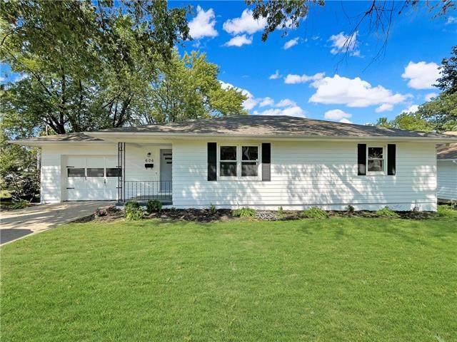 606 W 22nd Street, Higginsville, MO 64037 (#2343695) :: Eric Craig Real Estate Team