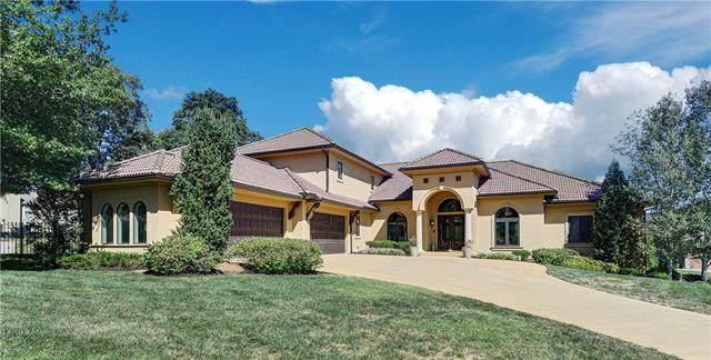 8308 Maplewood Lane, Lenexa, KS 66215 (#2344041) :: Eric Craig Real Estate Team