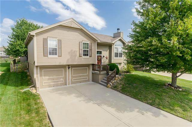 716 NE 107th Street, Kansas City, MO 64155 (#2344396) :: Dani Beyer Real Estate
