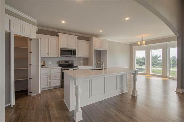 9724 N Denton Avenue, Kansas City, MO 64157 (#2344953) :: Tradition Home Group | Compass Realty Group