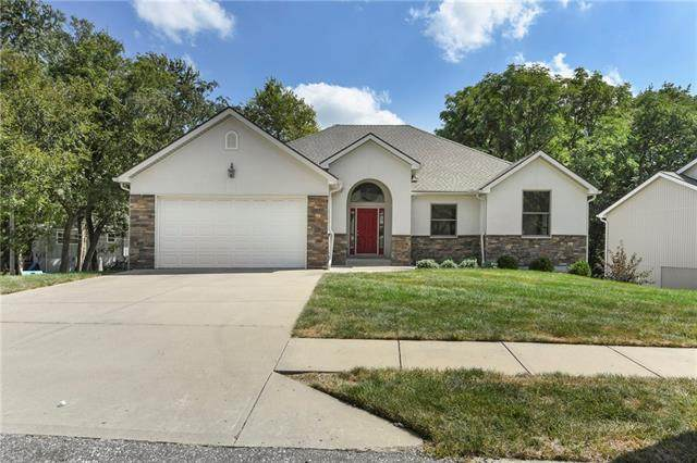 6921 NW Pleasant View Court, Parkville, MO 64152 (#2345511) :: The Rucker Group