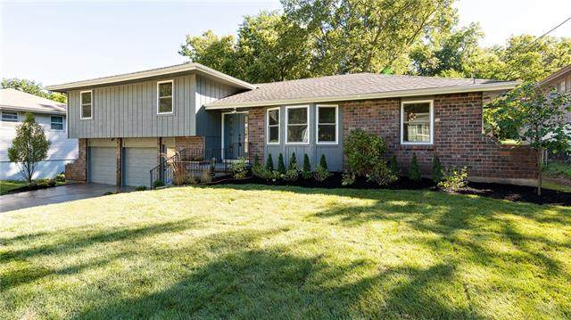 5243 Newton Street, Overland Park, KS 66202 (#2345574) :: Tradition Home Group   Compass Realty Group