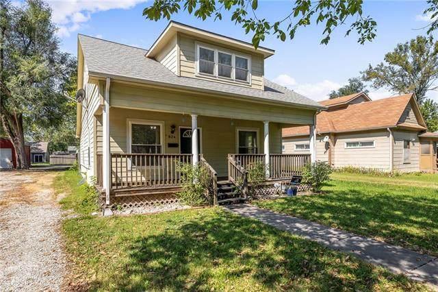 824 S Willow Street, Ottawa, KS 66067 (#2345878) :: Dani Beyer Real Estate