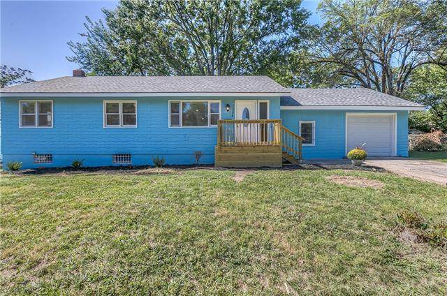 7324 Montgall Avenue, Kansas City, MO 64132 (#2346159) :: Tradition Home Group | Compass Realty Group