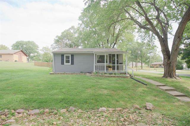 211 S 17 Street, Leavenworth, KS 66048 (#2346192) :: Tradition Home Group | Compass Realty Group