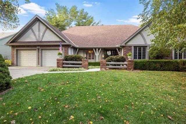 205 W Locust Street, Blue Springs, MO 64014 (#2346237) :: Austin Home Team