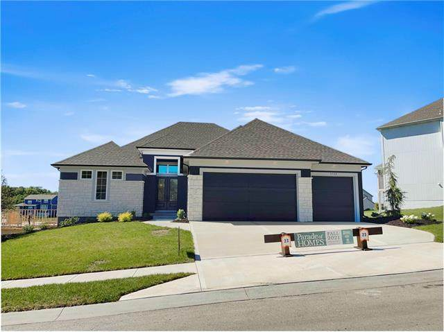 5768 Russet Road, Parkville, MO 64152 (#2346512) :: Tradition Home Group | Compass Realty Group