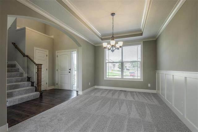28301 W 162nd Terrace, Gardner, KS 66030 (#2346616) :: Five-Star Homes