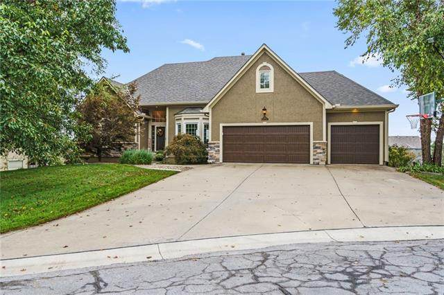 14105 Wingfoot Court, Basehor, KS 66007 (#2346910) :: Team Real Estate
