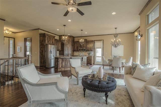 17337 Hauser Street, Overland Park, KS 66221 (#2347083) :: Austin Home Team