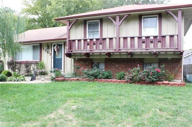 1505 S Pawnee Circle, Olathe, KS 66062 (#2347803) :: Austin Home Team