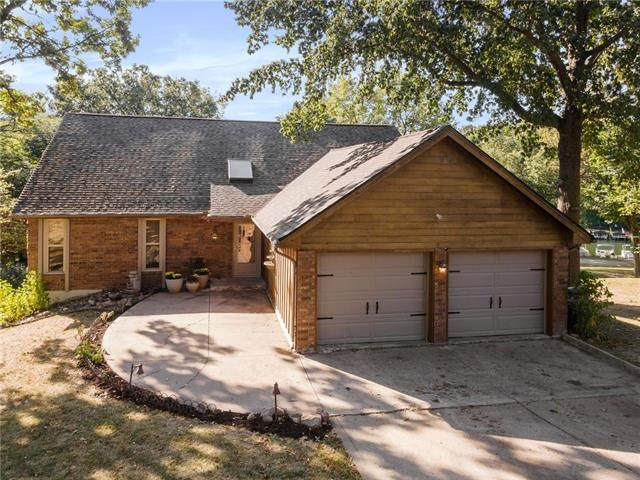 9515 NW 77th Terrace, Weatherby Lake, MO 64152 (#2347984) :: Ask Cathy Marketing Group, LLC