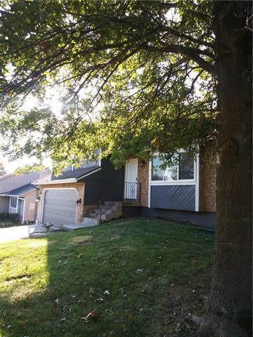 12027 W 47th Street, Shawnee, KS 66216 (#2348133) :: SEEK Real Estate