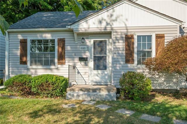 8320 Summit Street, Kansas City, MO 64114 (#2348337) :: SEEK Real Estate