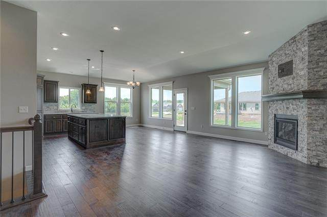 9206 NE 110th Terrace, Kansas City, MO 64157 (#2348788) :: Tradition Home Group   Compass Realty Group