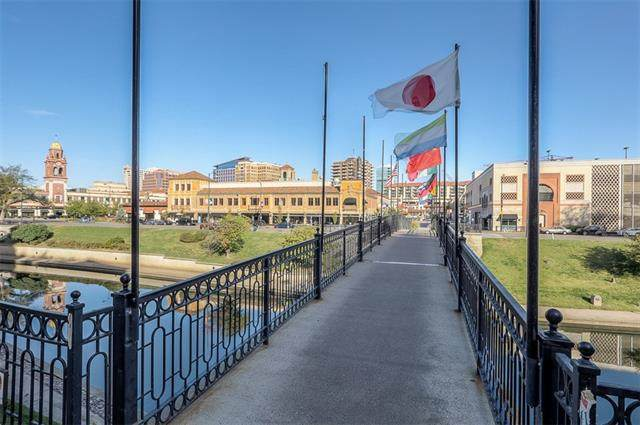 229 Ward Parkway Street 503A, Kansas City, MO 64112 (#2348967) :: Dani Beyer Real Estate
